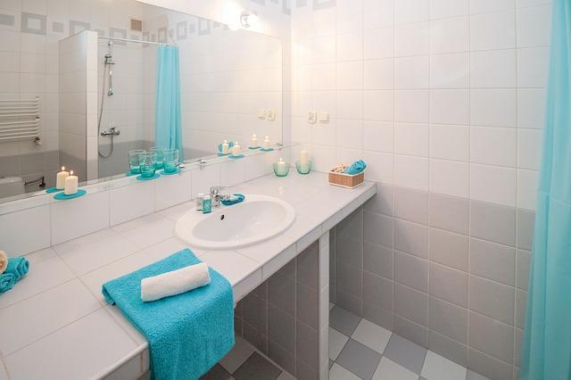 modré doplňky koupelny